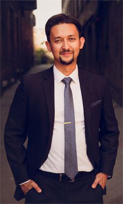 Ayan Mukherjee psychotherapist toronto working man's therapist